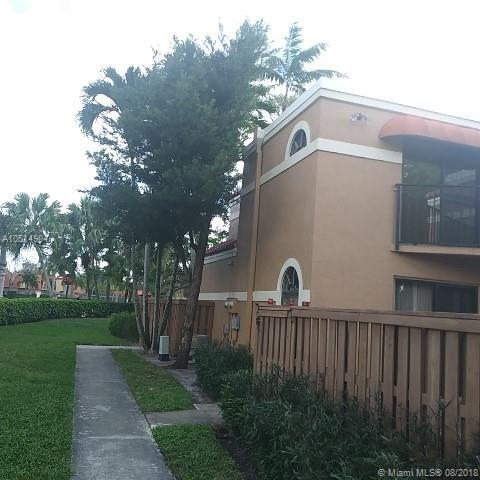 8050 Severn Dr C, Boca Raton, FL 33433 (MLS #A10514904) :: Laurie Finkelstein Reader Team