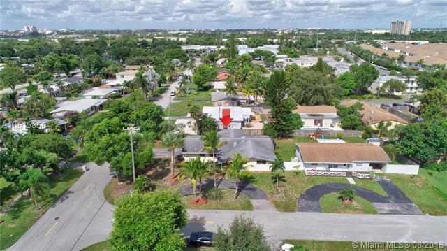 861 SW 1st Ter, Pompano Beach, FL 33060 (MLS #A10515850) :: Stanley Rosen Group