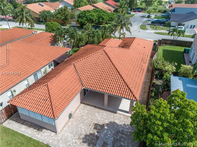 12800 NW 7th St, Miami, FL 33182 (MLS #A10516363) :: Hergenrother Realty Group Miami