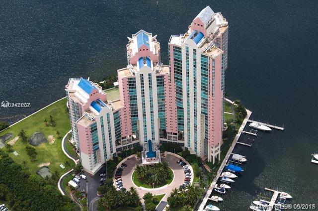 3370 NE Hidden Bay Dr #114, Aventura, FL 33180 (MLS #A10516828) :: Grove Properties