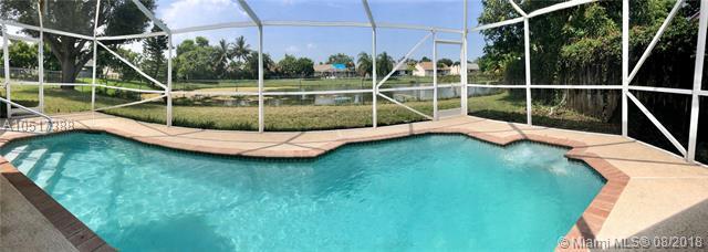 5666 Lake George Pl, Lake Worth, FL 33463 (MLS #A10517388) :: Green Realty Properties