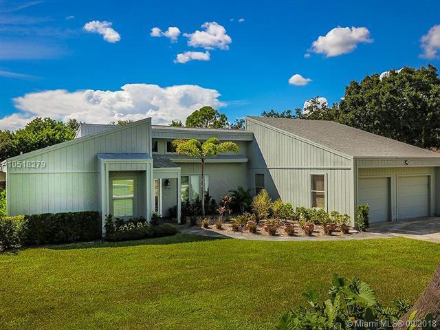 1132 SW Willow Lane, Palm City, FL 34990 (MLS #A10518279) :: Stanley Rosen Group