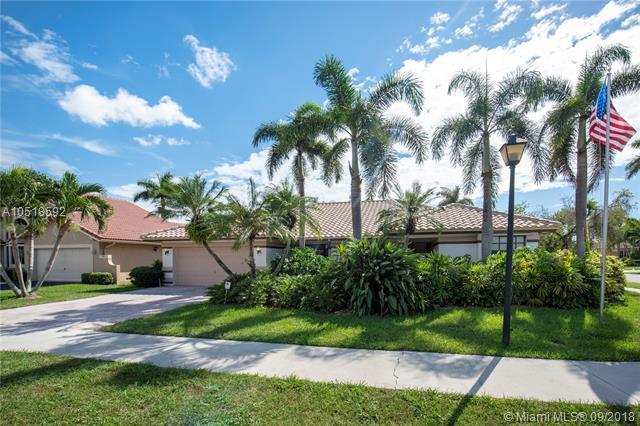 3187 Beechberry Cir, Davie, FL 33328 (MLS #A10518592) :: The Teri Arbogast Team at Keller Williams Partners SW