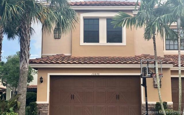 10870 NW 73rd Ct, Parkland, FL 33076 (MLS #A10518997) :: United Realty Group
