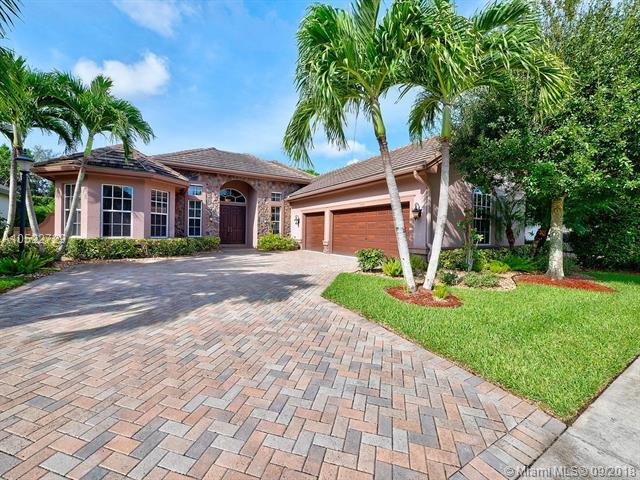 10440 Trianon Pl, Wellington, FL 33449 (MLS #A10522729) :: Hergenrother Realty Group Miami
