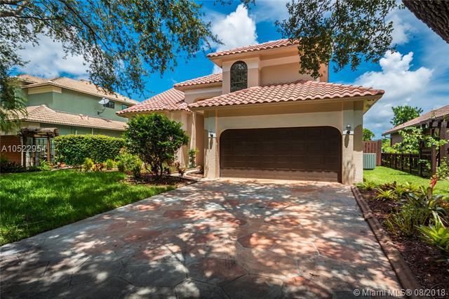 2573 Baccarat Dr, Cooper City, FL 33026 (MLS #A10522954) :: Green Realty Properties