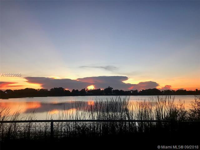1428 NW 208th Way, Pembroke Pines, FL 33029 (MLS #A10523055) :: Stanley Rosen Group