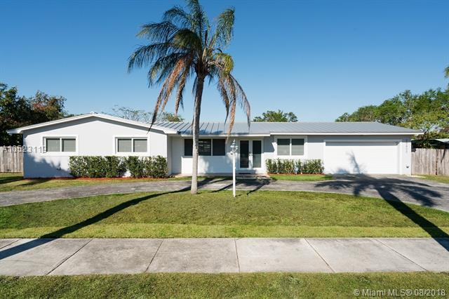 10800 SW 87th Ave, Miami, FL 33176 (MLS #A10523119) :: Laurie Finkelstein Reader Team