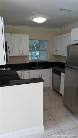 3643 SW Natura Ave A, Deerfield Beach, FL 33441 (MLS #A10523277) :: Green Realty Properties
