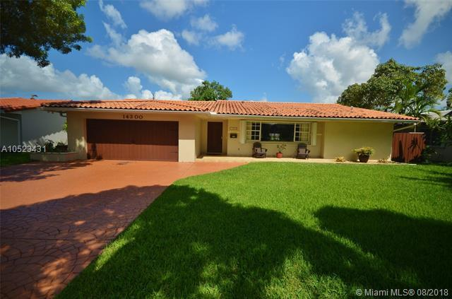 14300 Leaning Pine Dr, Miami Lakes, FL 33014 (MLS #A10523431) :: Green Realty Properties