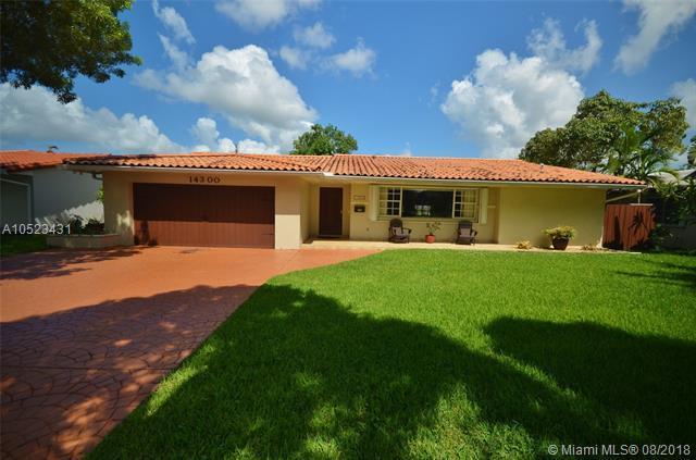 14300 Leaning Pine Dr, Miami Lakes, FL 33014 (MLS #A10523431) :: Miami Villa Team
