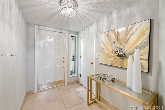 1401 NE 9th St #23, Fort Lauderdale, FL 33304 (MLS #A10524489) :: Green Realty Properties