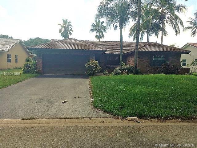 1366 NW 111th Ave, Coral Springs, FL 33071 (MLS #A10524568) :: Stanley Rosen Group
