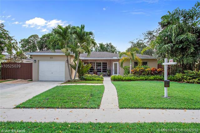 835 SW 51 Avenue, Margate, FL 33068 (MLS #A10525039) :: Stanley Rosen Group