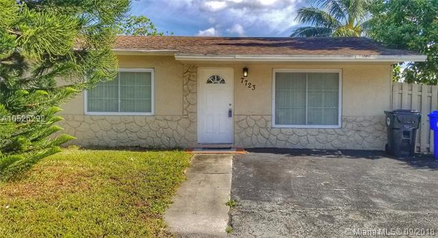 7723 Kimberly Blvd, North Lauderdale, FL 33068 (MLS #A10526292) :: Stanley Rosen Group