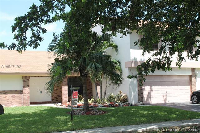 851 Greenbriar Ave, Davie, FL 33325 (MLS #A10527192) :: Prestige Realty Group