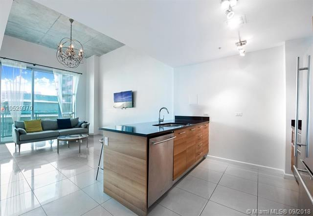3301 NE 1st Ave M0706, Miami, FL 33137 (MLS #A10529370) :: Hergenrother Realty Group Miami