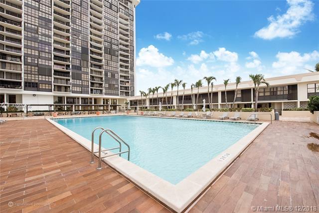 1901 Brickell Ave B502, Miami, FL 33129 (MLS #A10530908) :: The Teri Arbogast Team at Keller Williams Partners SW