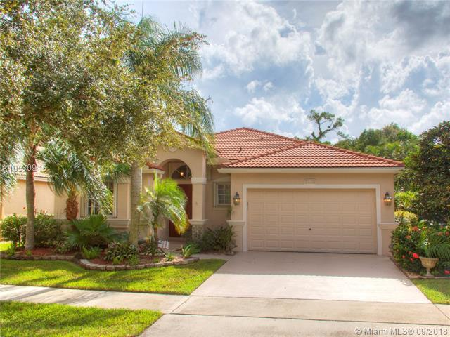 4960 Swans Ln, Coconut Creek, FL 33073 (MLS #A10530915) :: Green Realty Properties