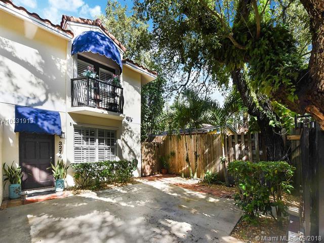 3274 Gifford Lane A, Miami, FL 33133 (MLS #A10531913) :: Stanley Rosen Group