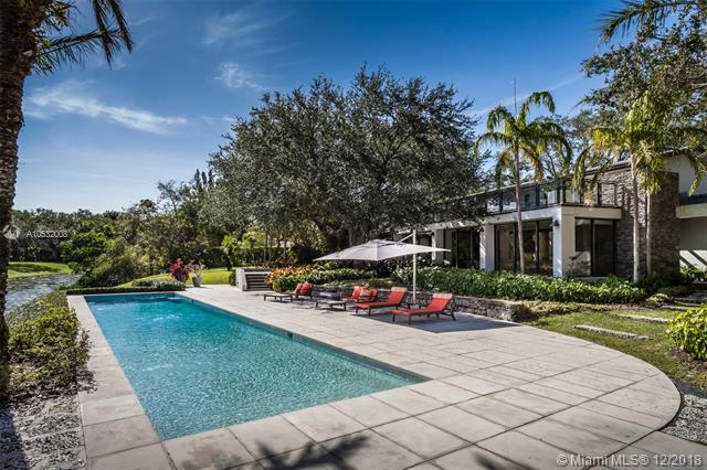 10845 Snapper Creek Rd, Coral Gables, FL 33156 (MLS #A10532008) :: The Maria Murdock Group