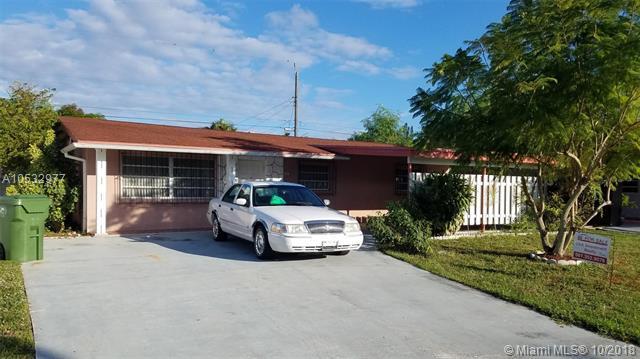 44 Davis Rd, Lake Worth, FL 33461 (MLS #A10532977) :: Miami Villa Team