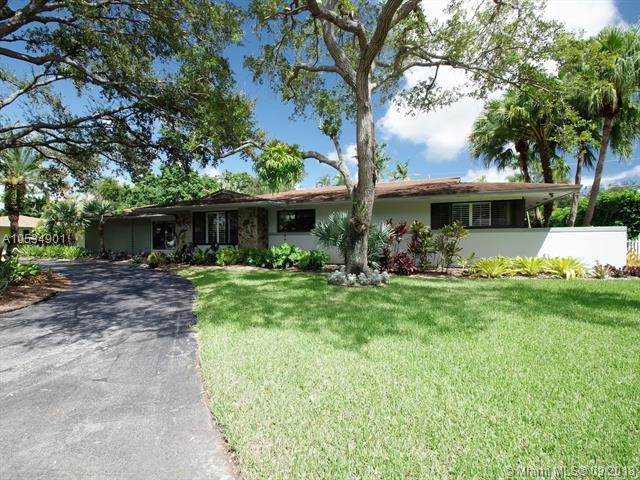 13915 SW 73 AVE, Palmetto Bay, FL 33158 (MLS #A10534901) :: Green Realty Properties