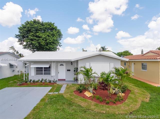 5800 NW 85th Ave, Tamarac, FL 33321 (MLS #A10536584) :: Stanley Rosen Group