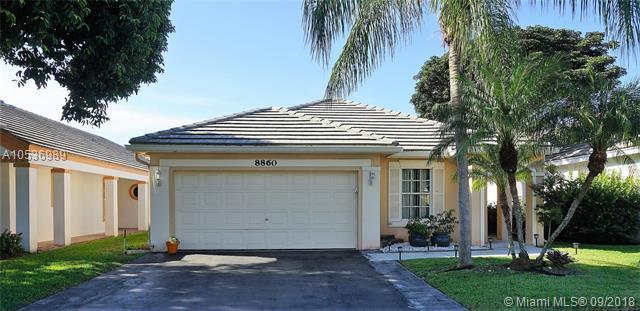 8860 N Lake Park Cir N, Davie, FL 33328 (MLS #A10536989) :: Green Realty Properties