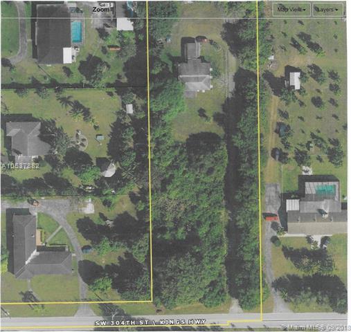 19601 SW 304th St, Homestead, FL 33030 (MLS #A10537882) :: Stanley Rosen Group