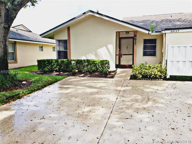 8637 Sunbird Pl, Boca Raton, FL 33496 (MLS #A10538223) :: Stanley Rosen Group