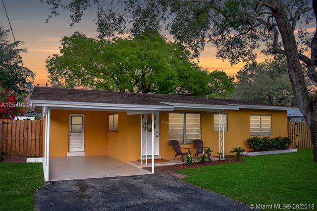 2420 SW 34th Ave, Fort Lauderdale, FL 33312 (MLS #A10540914) :: Hergenrother Realty Group Miami
