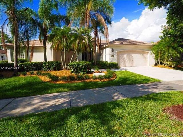 419 Stonemont Dr, Weston, FL 33326 (MLS #A10541683) :: Green Realty Properties