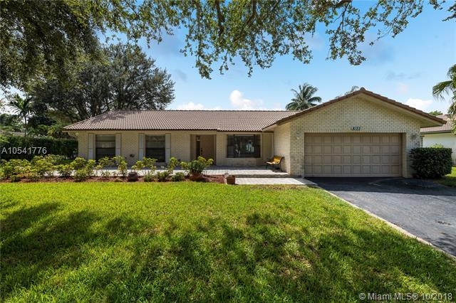 8122 NW 3rd Place, Coral Springs, FL 33071 (MLS #A10541776) :: The Teri Arbogast Team at Keller Williams Partners SW