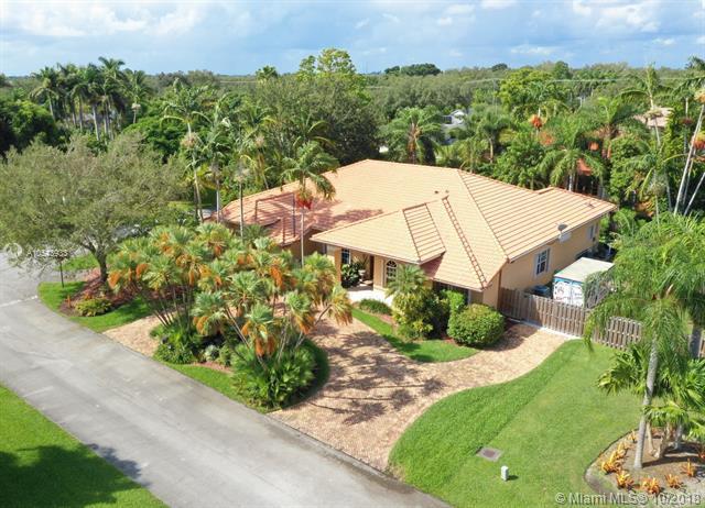 15720 SW 78th Ave, Palmetto Bay, FL 33157 (MLS #A10543933) :: Grove Properties