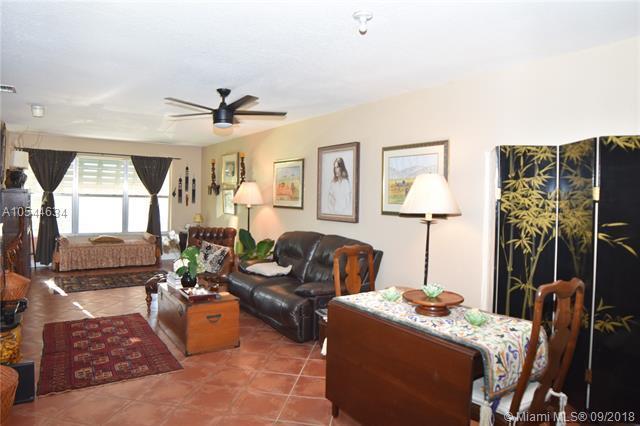 2400 NE 33rd Ave #211, Fort Lauderdale, FL 33305 (MLS #A10544634) :: Green Realty Properties