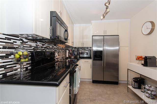 3675 N Country Club Dr #1402, Aventura, FL 33180 (MLS #A10545044) :: Green Realty Properties