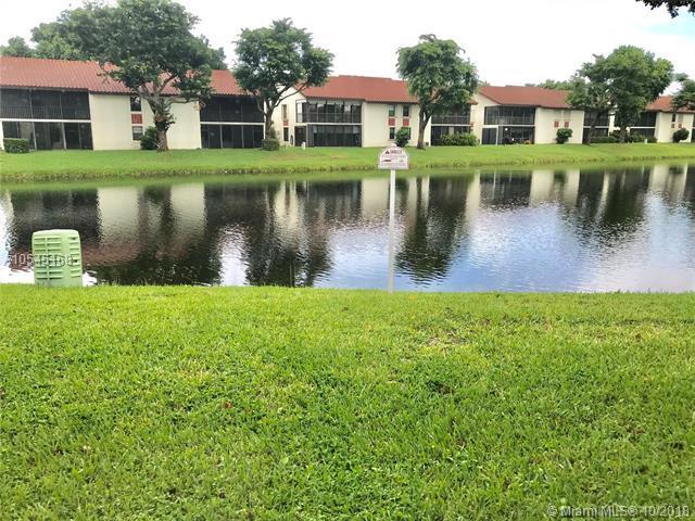 10608 Tropic Palm Ave #101, Boynton Beach, FL 33437 (MLS #A10545168) :: Miami Villa Team