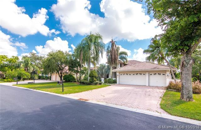 9934 NW 65th Mnr, Parkland, FL 33076 (MLS #A10547631) :: Green Realty Properties