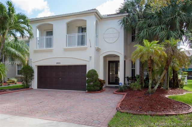 5221 SW 159th Ave, Miramar, FL 33027 (MLS #A10547792) :: Green Realty Properties