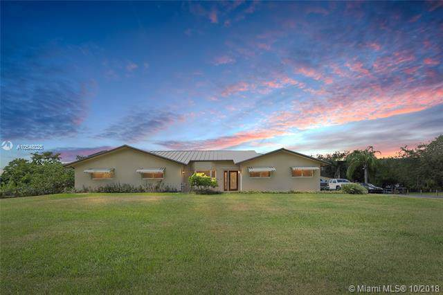 5211 SW 186th Ave, Southwest Ranches, FL 33332 (MLS #A10548025) :: Grove Properties