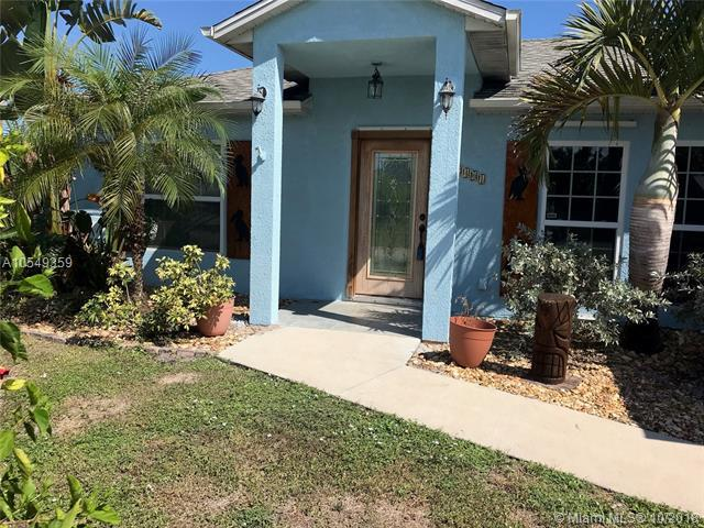 2401 SW Summit, Port St. Lucie, FL 34984 (MLS #A10549359) :: Green Realty Properties