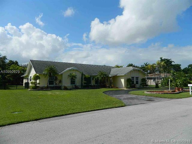 7560 SW 174 Street, Palmetto Bay, FL 33157 (MLS #A10550929) :: Carole Smith Real Estate Team