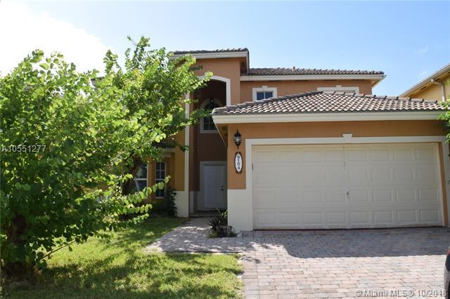 9104 SW 209th Ter, Cutler Bay, FL 33189 (MLS #A10551277) :: Green Realty Properties