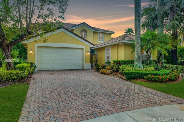 2019 Harbor View Cir, Weston, FL 33327 (MLS #A10552728) :: Green Realty Properties
