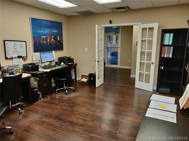 5595 Orange Dr #207, Davie, FL 33314 (MLS #A10553034) :: Green Realty Properties