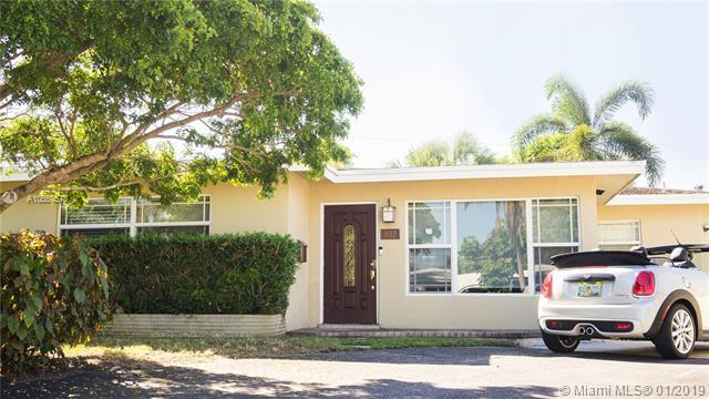832 NW 30th St, Wilton Manors, FL 33311 (MLS #A10554578) :: The Teri Arbogast Team at Keller Williams Partners SW