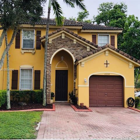 15334 SW 8th Way, Miami, FL 33194 (MLS #A10554898) :: Carole Smith Real Estate Team