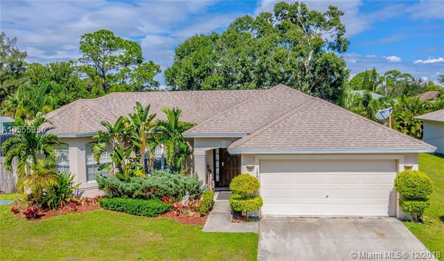 1359 SW Axtell Ave, Port St. Lucie, FL 34953 (MLS #A10555350) :: The Teri Arbogast Team at Keller Williams Partners SW