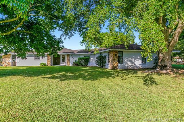 5195 SW 163rd Ave, Southwest Ranches, FL 33331 (MLS #A10556760) :: Green Realty Properties